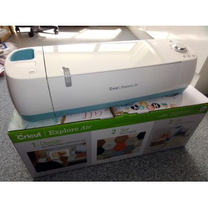 CRICUT EXPLORE AIR - NZ version with Power Pack